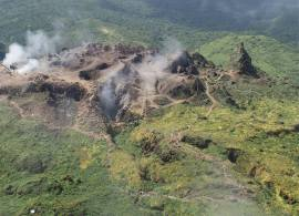 Excursion pour familles et/ou sportifs qui débute par un mini safari 4x4 en direction du volcan la Soufrière, puis se pousuit à pieds pour son ascension. Une équipe de guides expérimentés vous accompa